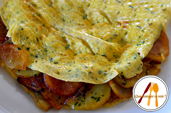 Omelette aux pommes de terre et aux herbes